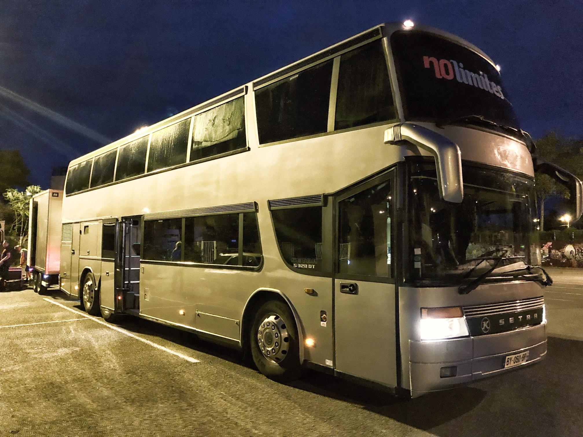Tour Bus - Bikini 2019
